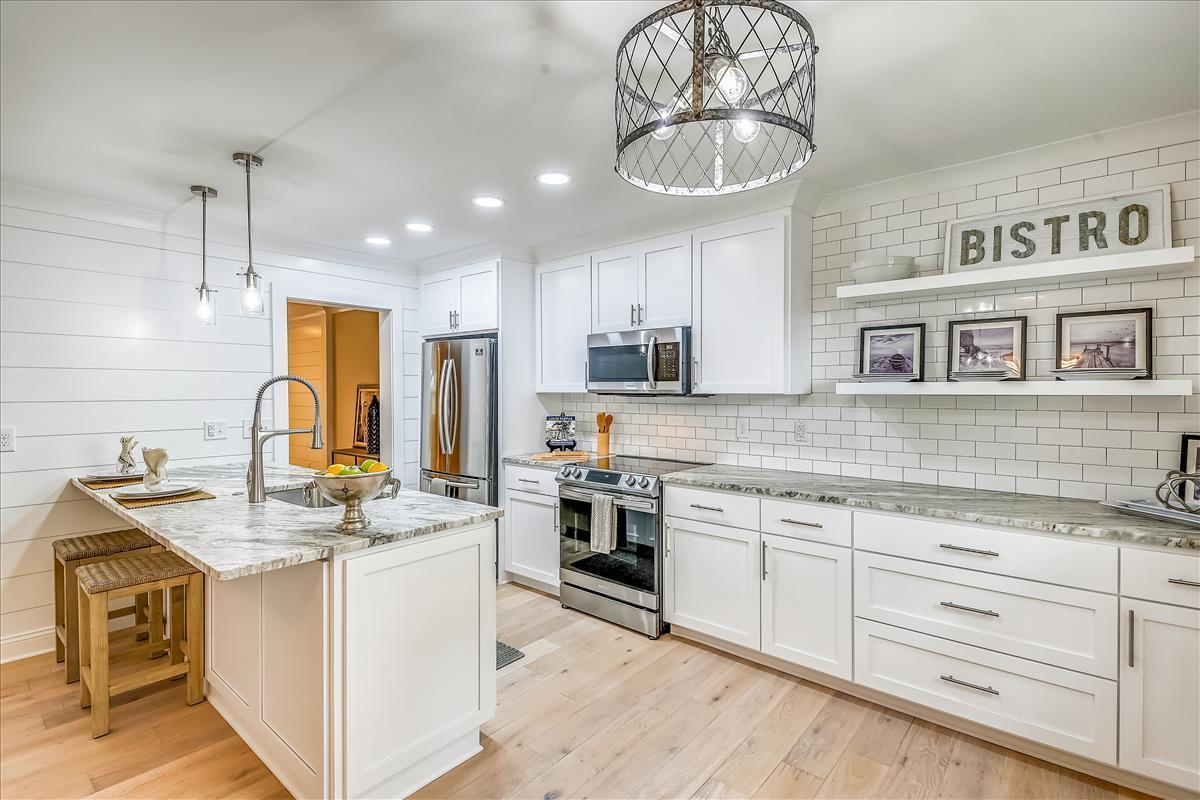 Myrtle Acres Homes For Sale - 955 Myrtle, Mount Pleasant, SC - 9