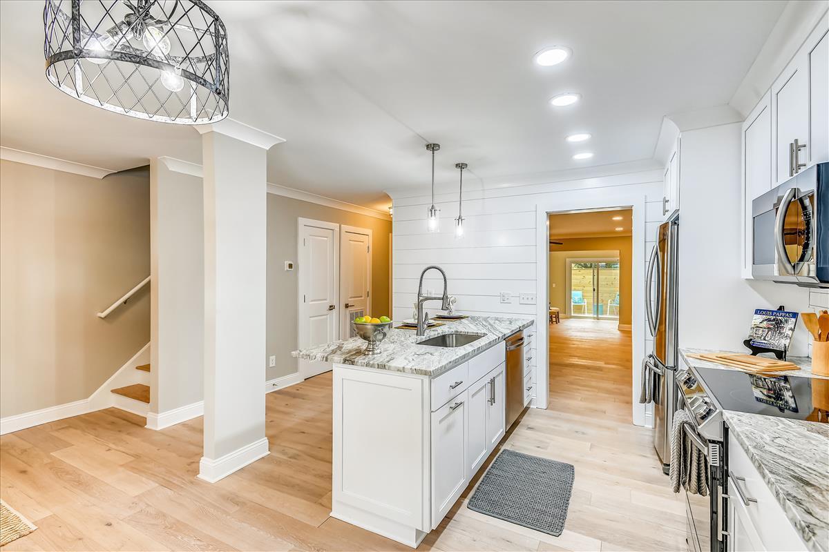 Myrtle Acres Homes For Sale - 955 Myrtle, Mount Pleasant, SC - 6