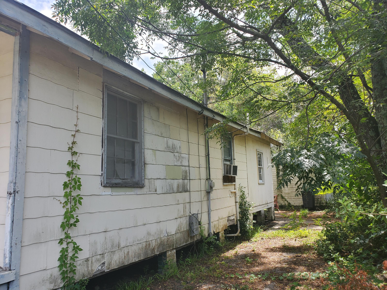 Windsor Place Homes For Sale - 2025 Hampton, North Charleston, SC - 2