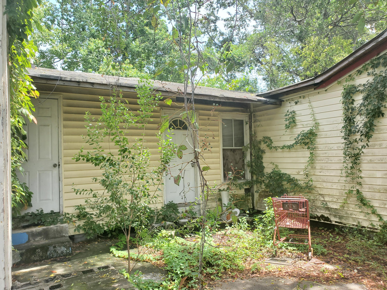 Windsor Place Homes For Sale - 2025 Hampton, North Charleston, SC - 1