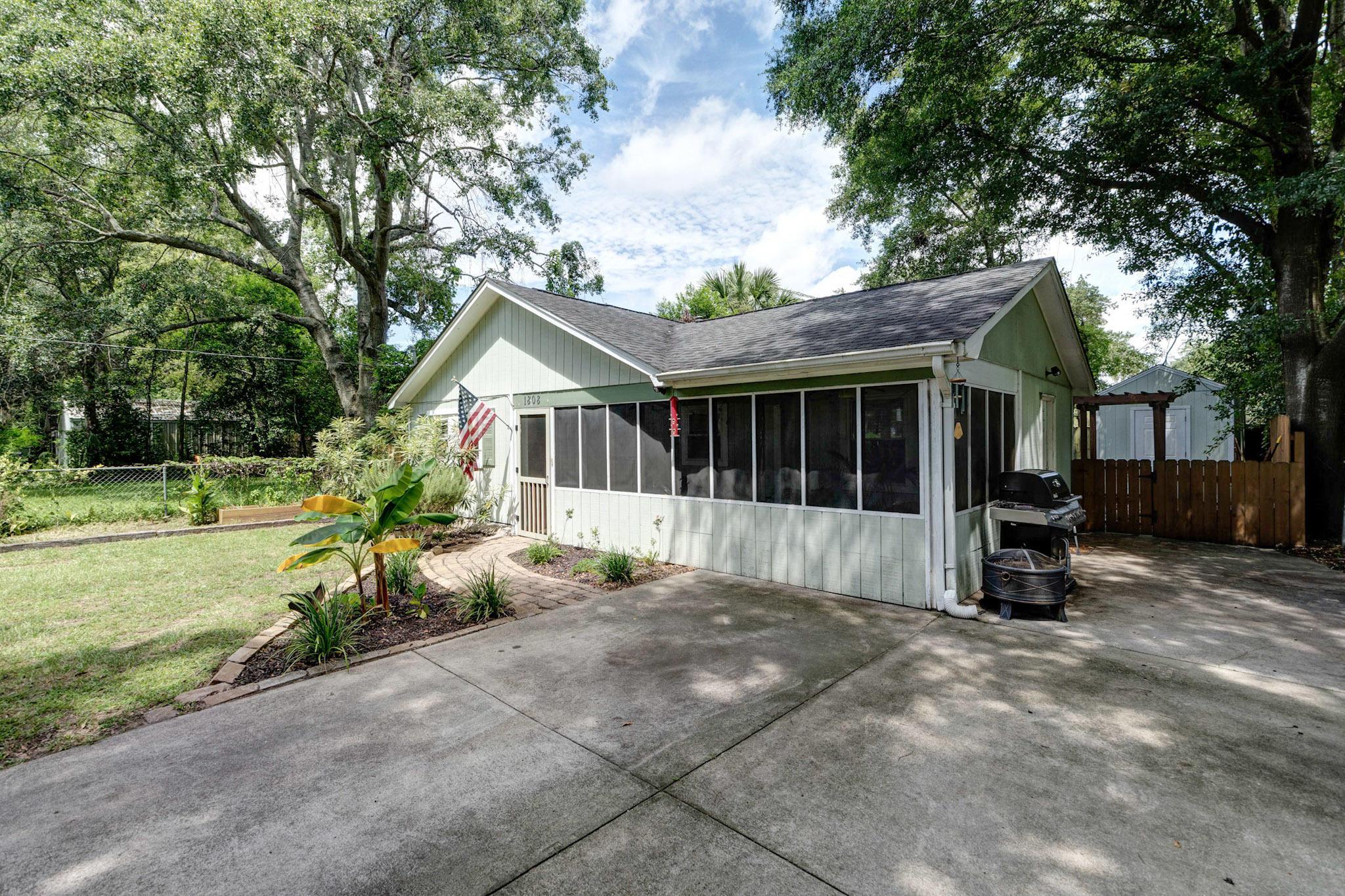St Andrews Homes For Sale - 1808 2nd, Charleston, SC - 29