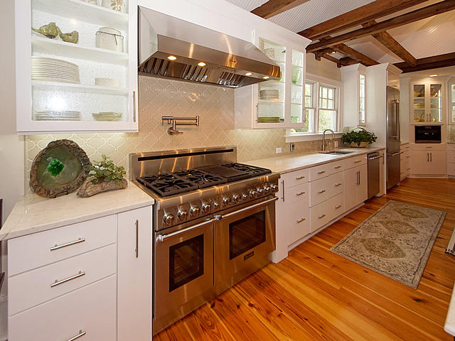 Historic District Homes For Sale - 826 Main, Summerville, SC - 77