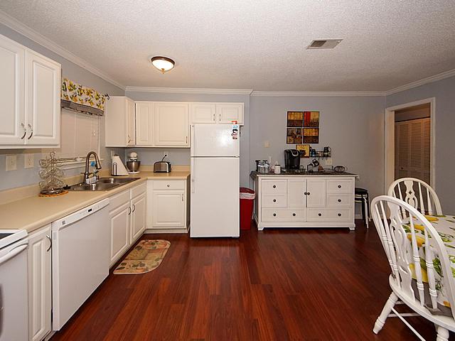 Carolina Cove Homes For Sale - 415 Parkdale, Charleston, SC - 29