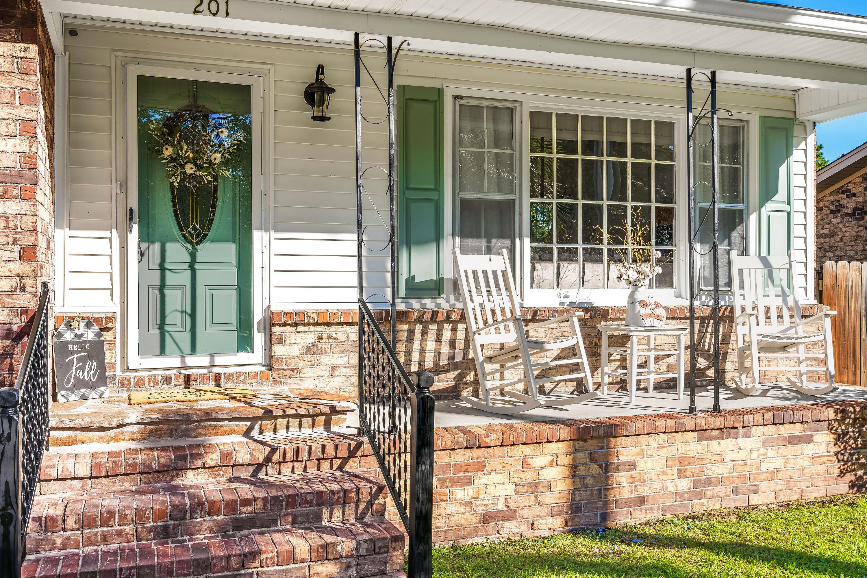 Warington Homes For Sale - 201 Pinewood, Summerville, SC - 10