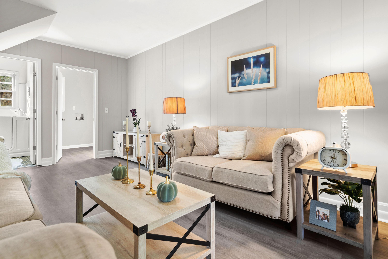 Warington Homes For Sale - 201 Pinewood, Summerville, SC - 2