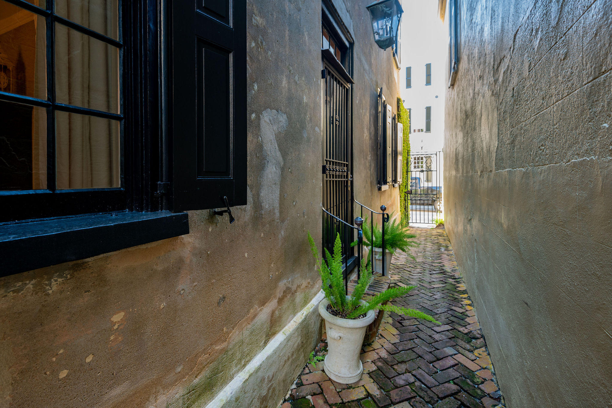 South of Broad Homes For Sale - 54 Tradd, Charleston, SC - 36