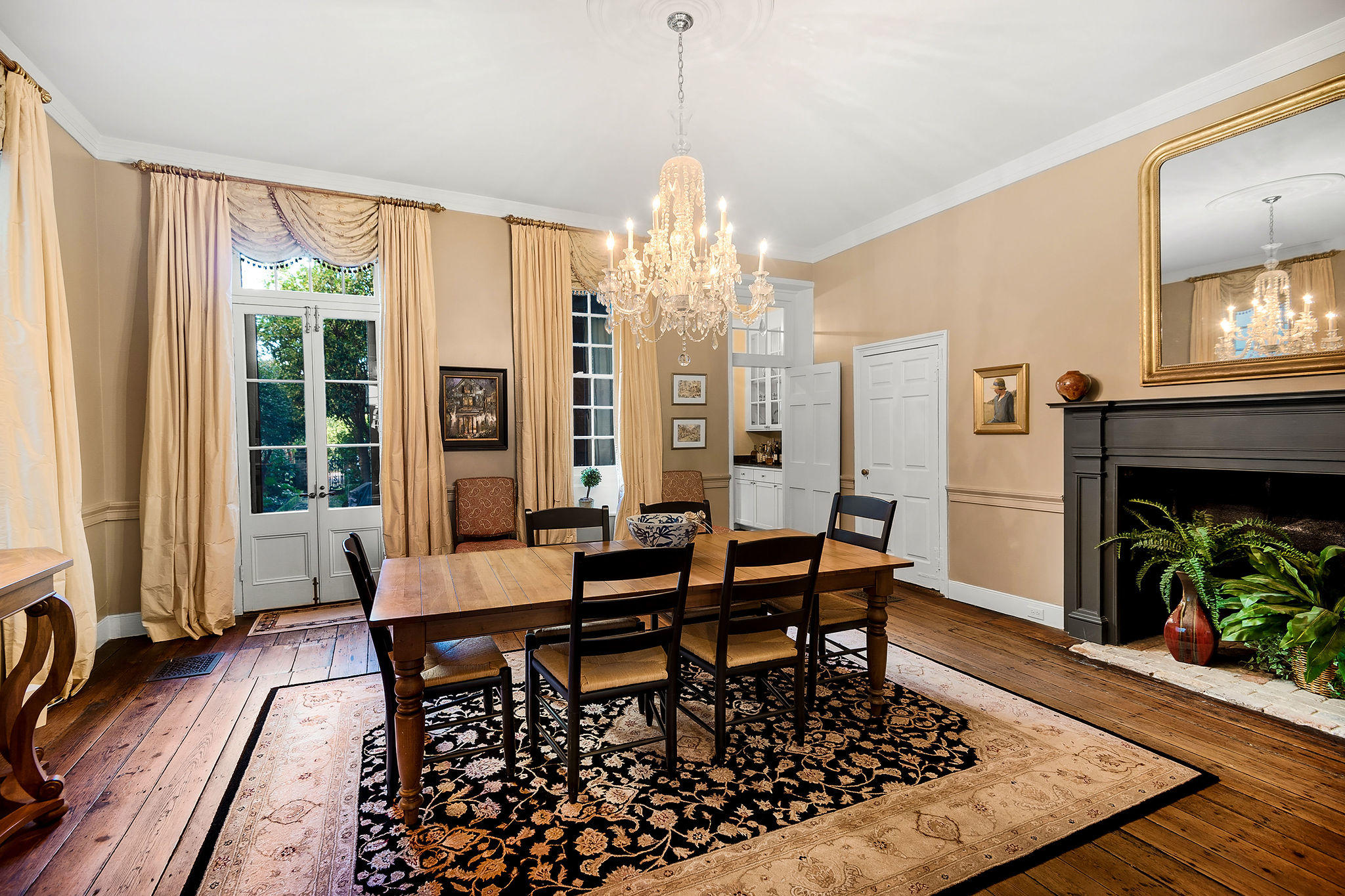 South of Broad Homes For Sale - 54 Tradd, Charleston, SC - 11