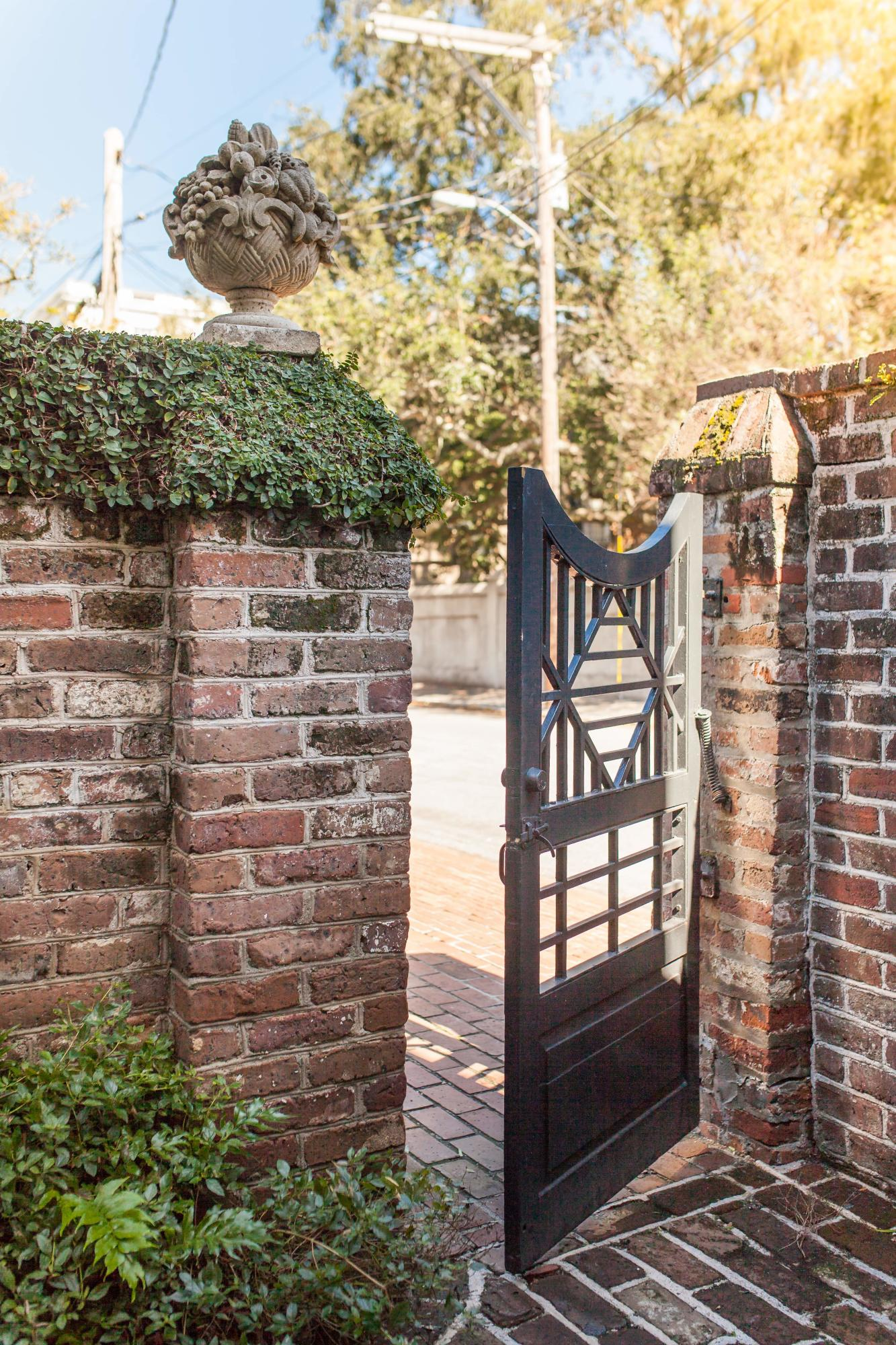 South of Broad Homes For Sale - 58 South Battery, Charleston, SC - 8