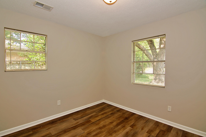 Meadowbrook Homes For Sale - 208 Eagle, Summerville, SC - 10