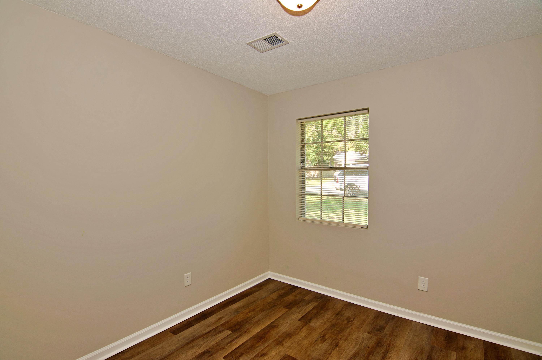 Meadowbrook Homes For Sale - 208 Eagle, Summerville, SC - 4