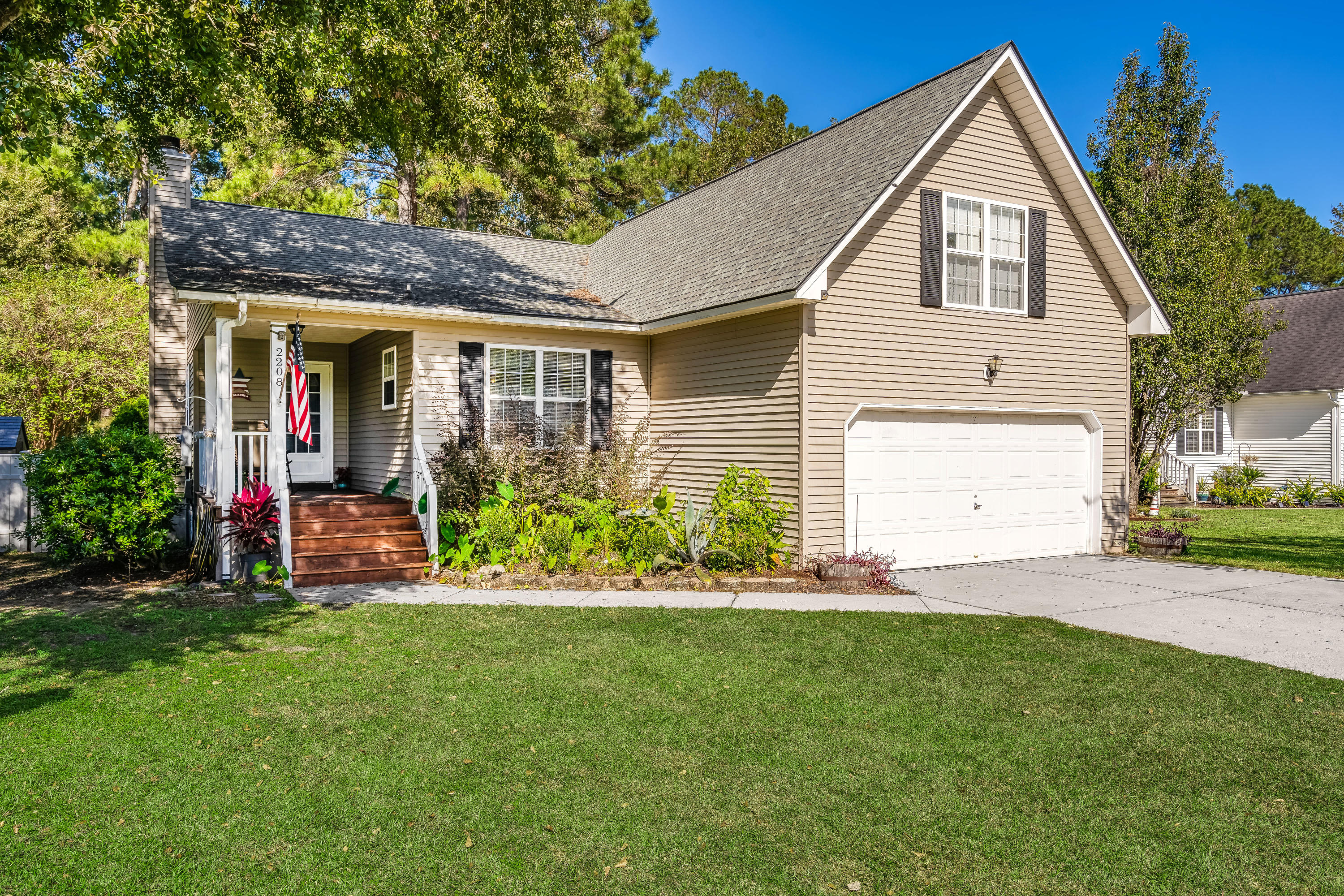 2208 Sawmill Trace Lane, North Charleston, 29420, 4 Bedrooms Bedrooms, ,2 BathroomsBathrooms,Single Family Detached,For Sale,Sawmill Trace,20028892