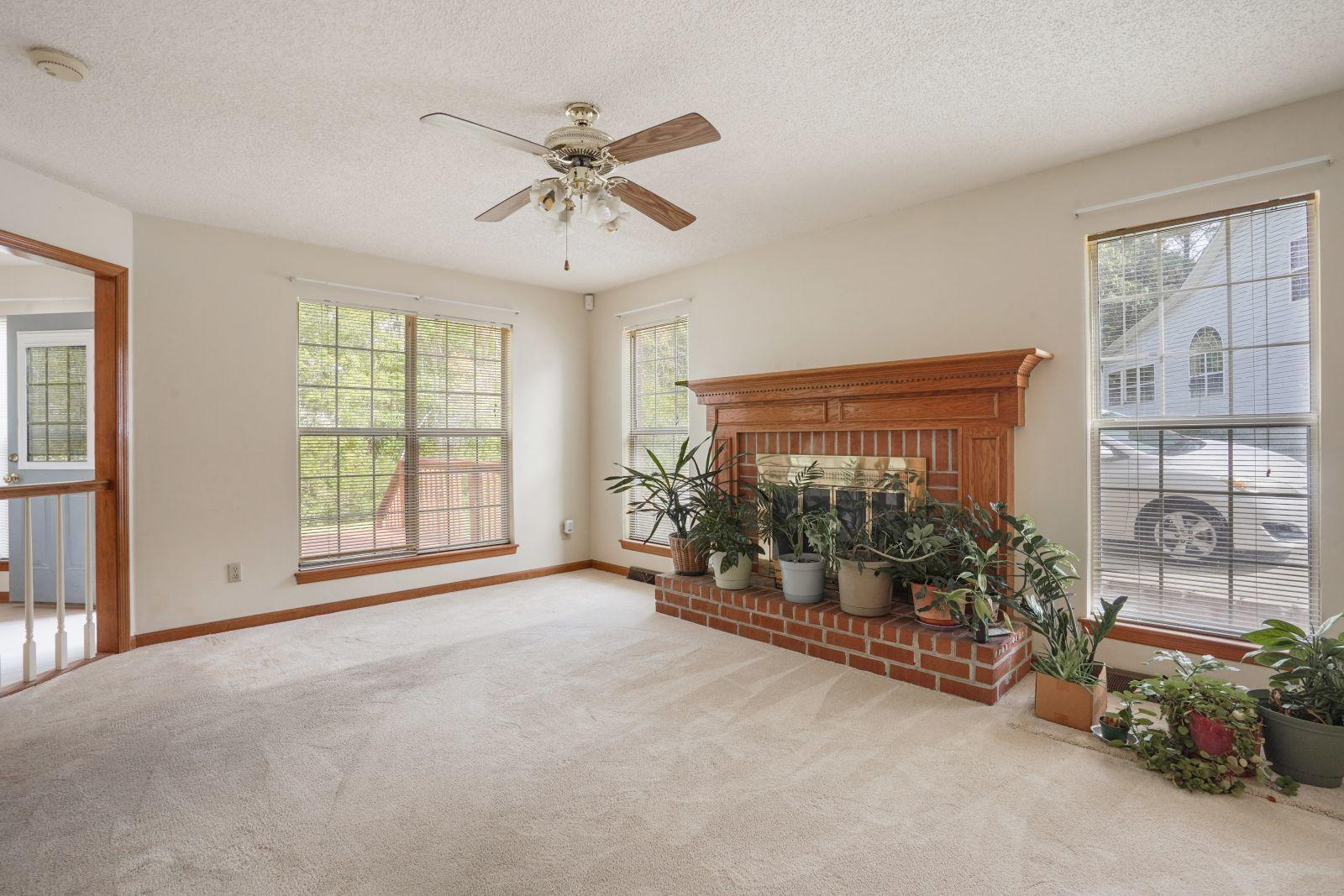 Crowfield Plantation Homes For Sale - 161 Belleplaine, Goose Creek, SC - 10