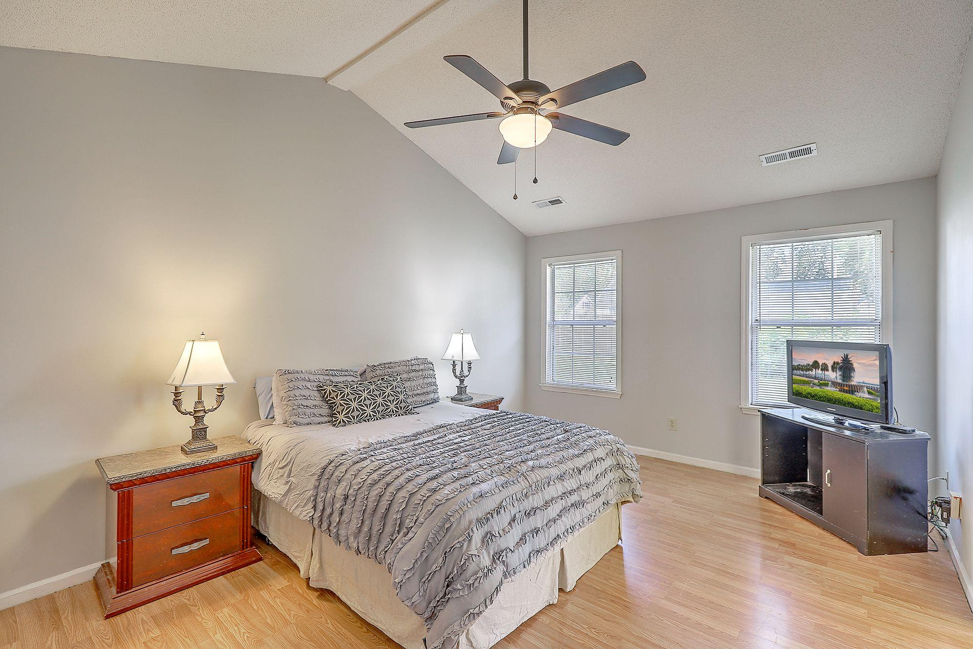 Woodington Homes For Sale - 8614 Aurora, North Charleston, SC - 12