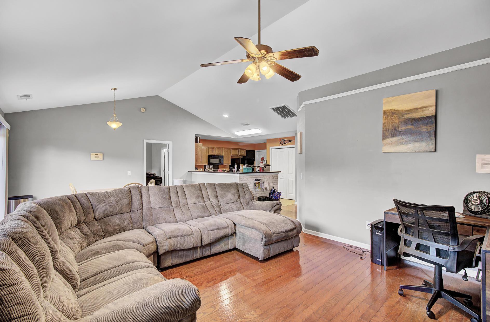 Oakley Pointe Homes For Sale - 231 Silk Oak, Moncks Corner, SC - 2