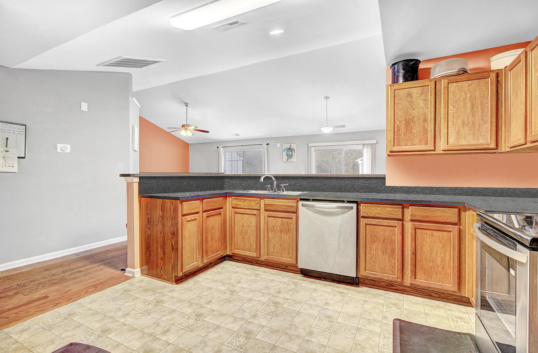 Oakley Pointe Homes For Sale - 231 Silk Oak, Moncks Corner, SC - 7