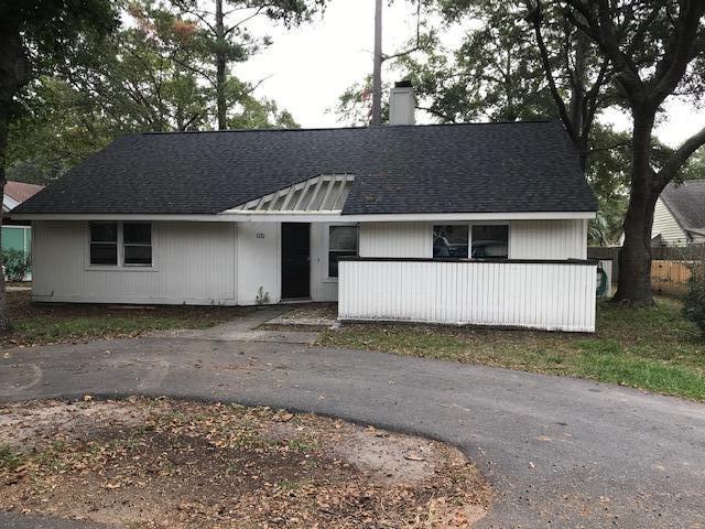 Snee Farm Homes For Sale - 1132 Honeysuckle, Mount Pleasant, SC - 9