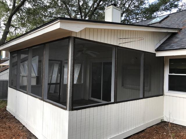 Snee Farm Homes For Sale - 1132 Honeysuckle, Mount Pleasant, SC - 2