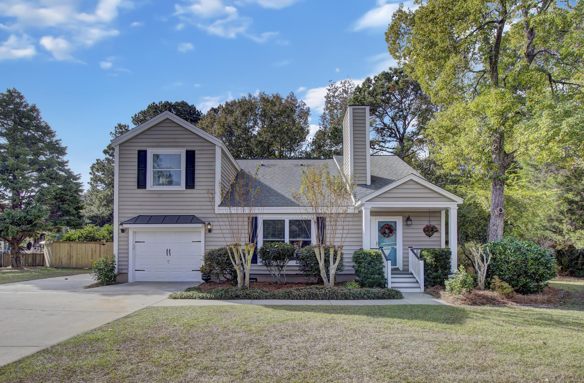 Snee Farm Homes For Sale - 978 Law, Mount Pleasant, SC - 0