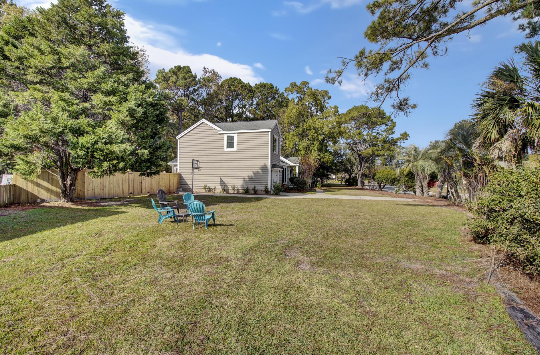 Snee Farm Homes For Sale - 978 Law, Mount Pleasant, SC - 34