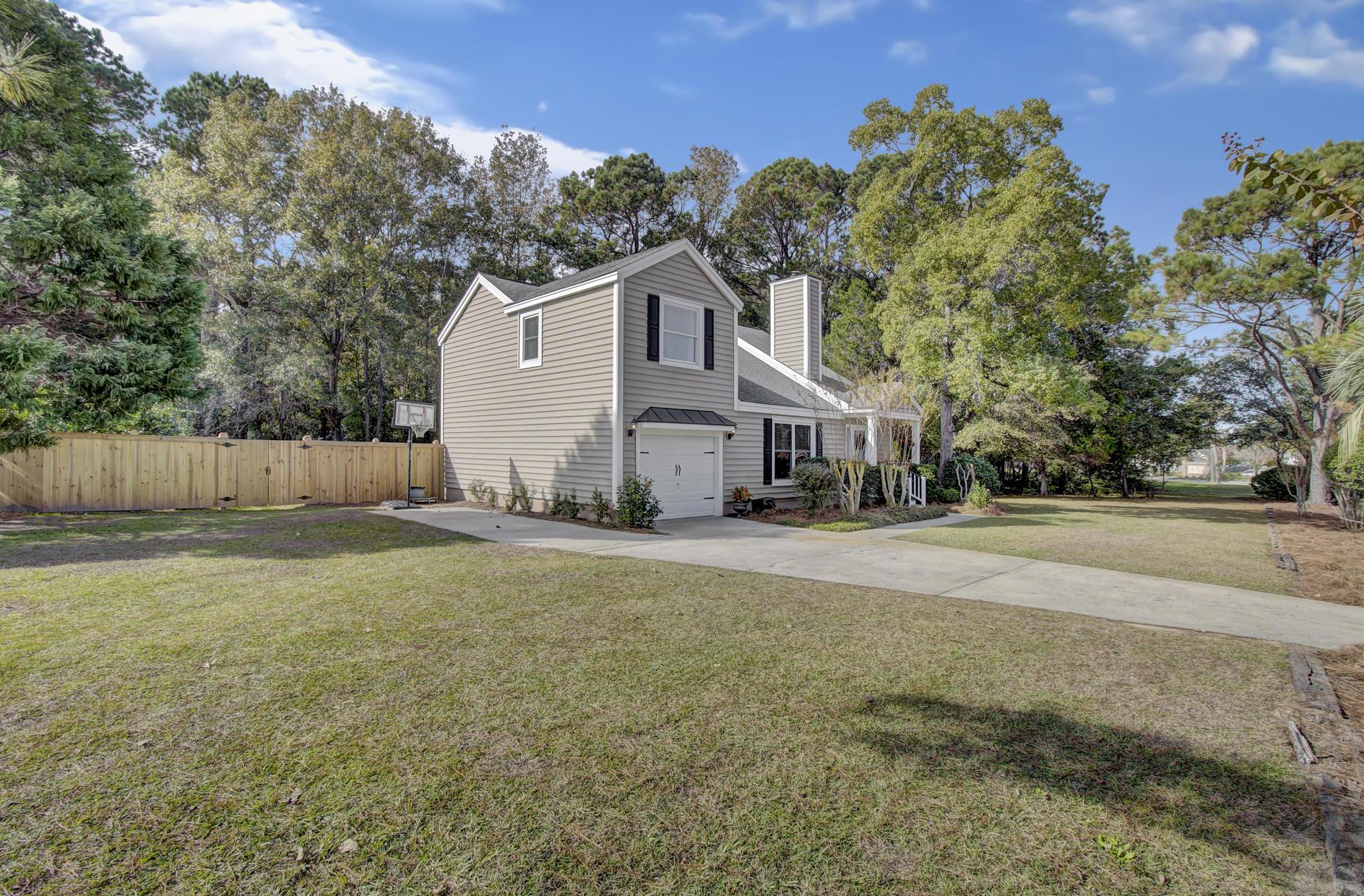 Snee Farm Homes For Sale - 978 Law, Mount Pleasant, SC - 37