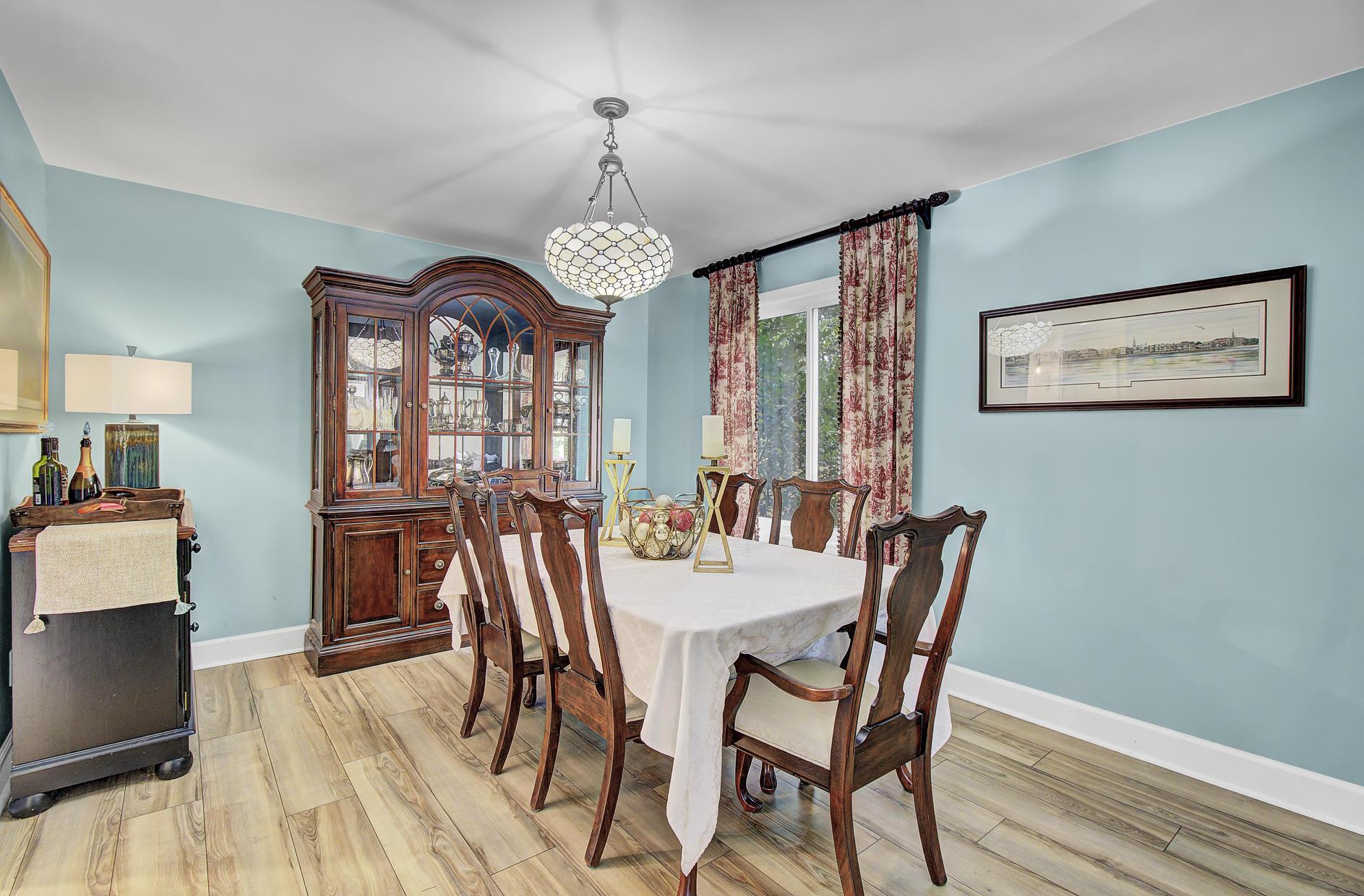Snee Farm Homes For Sale - 978 Law, Mount Pleasant, SC - 8
