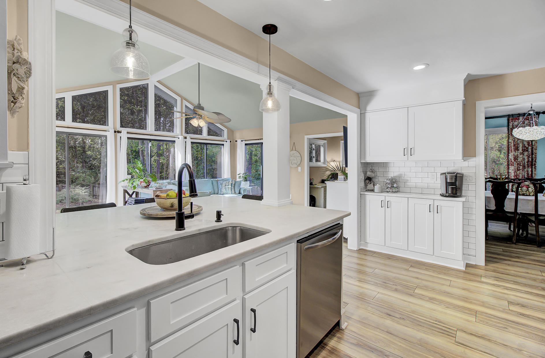 Snee Farm Homes For Sale - 978 Law, Mount Pleasant, SC - 10