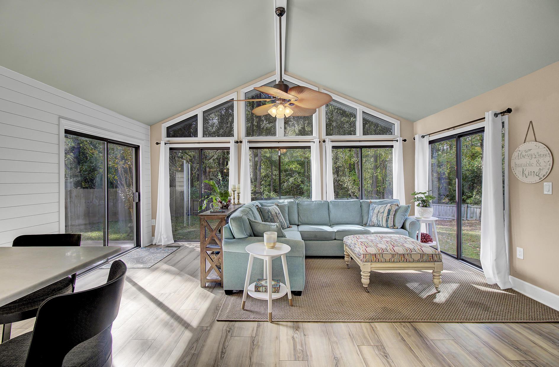 Snee Farm Homes For Sale - 978 Law, Mount Pleasant, SC - 13