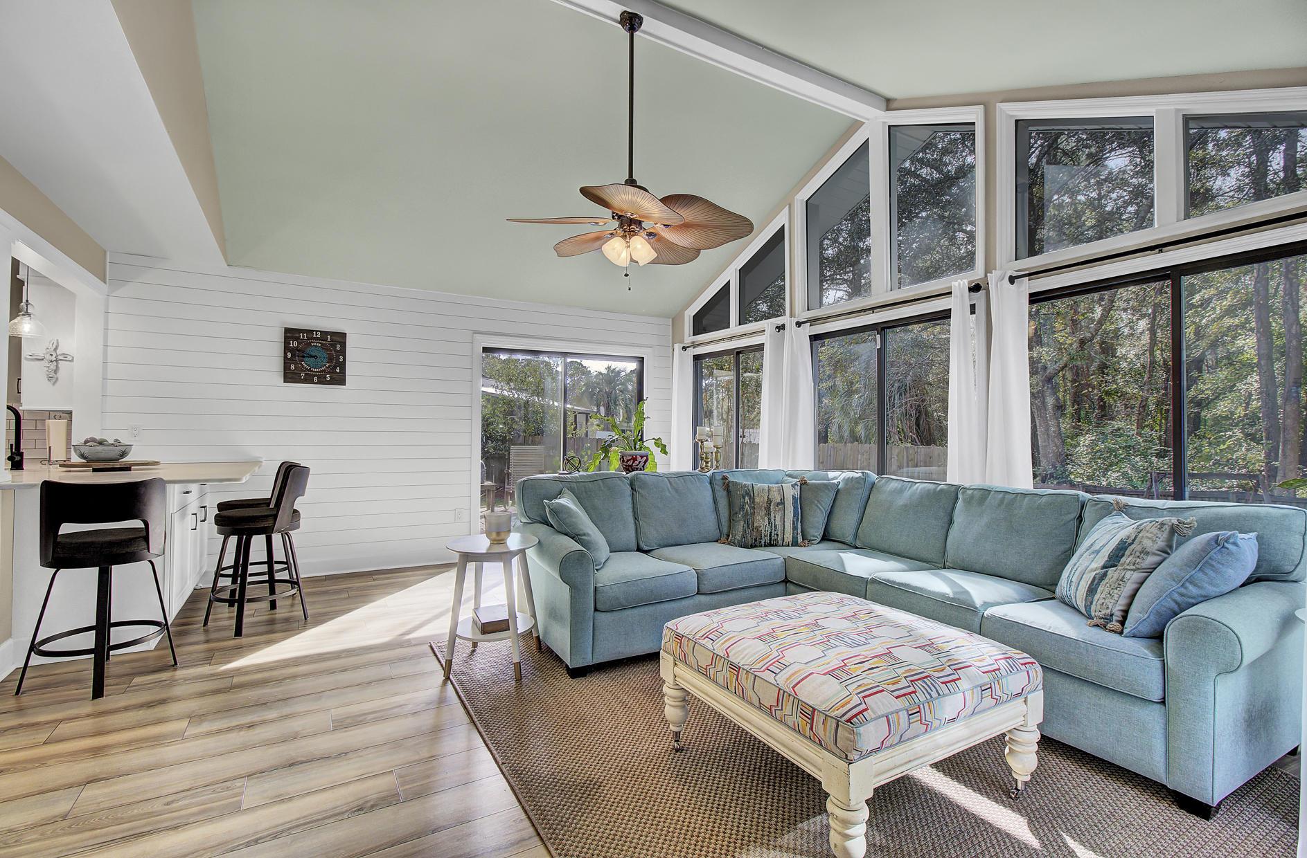 Snee Farm Homes For Sale - 978 Law, Mount Pleasant, SC - 14