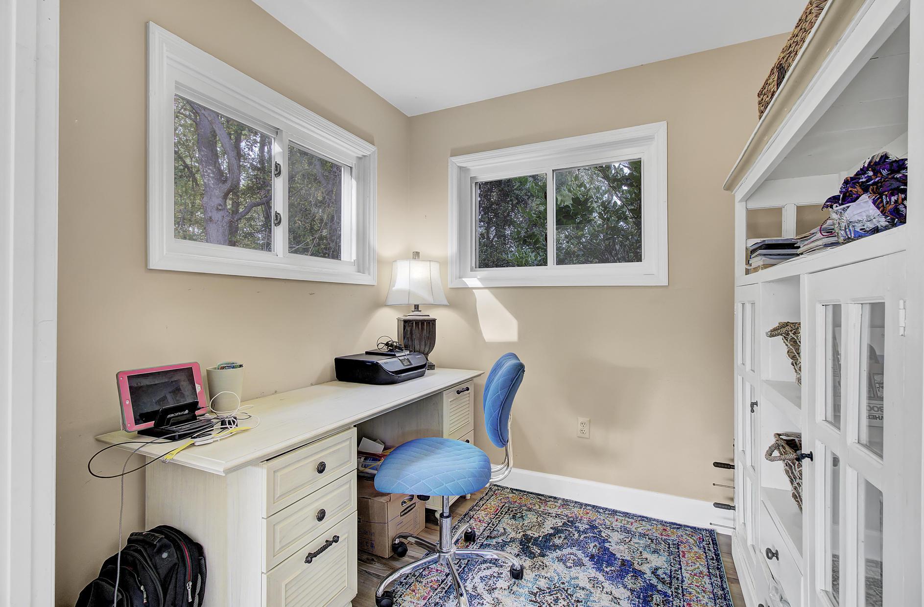 Snee Farm Homes For Sale - 978 Law, Mount Pleasant, SC - 17