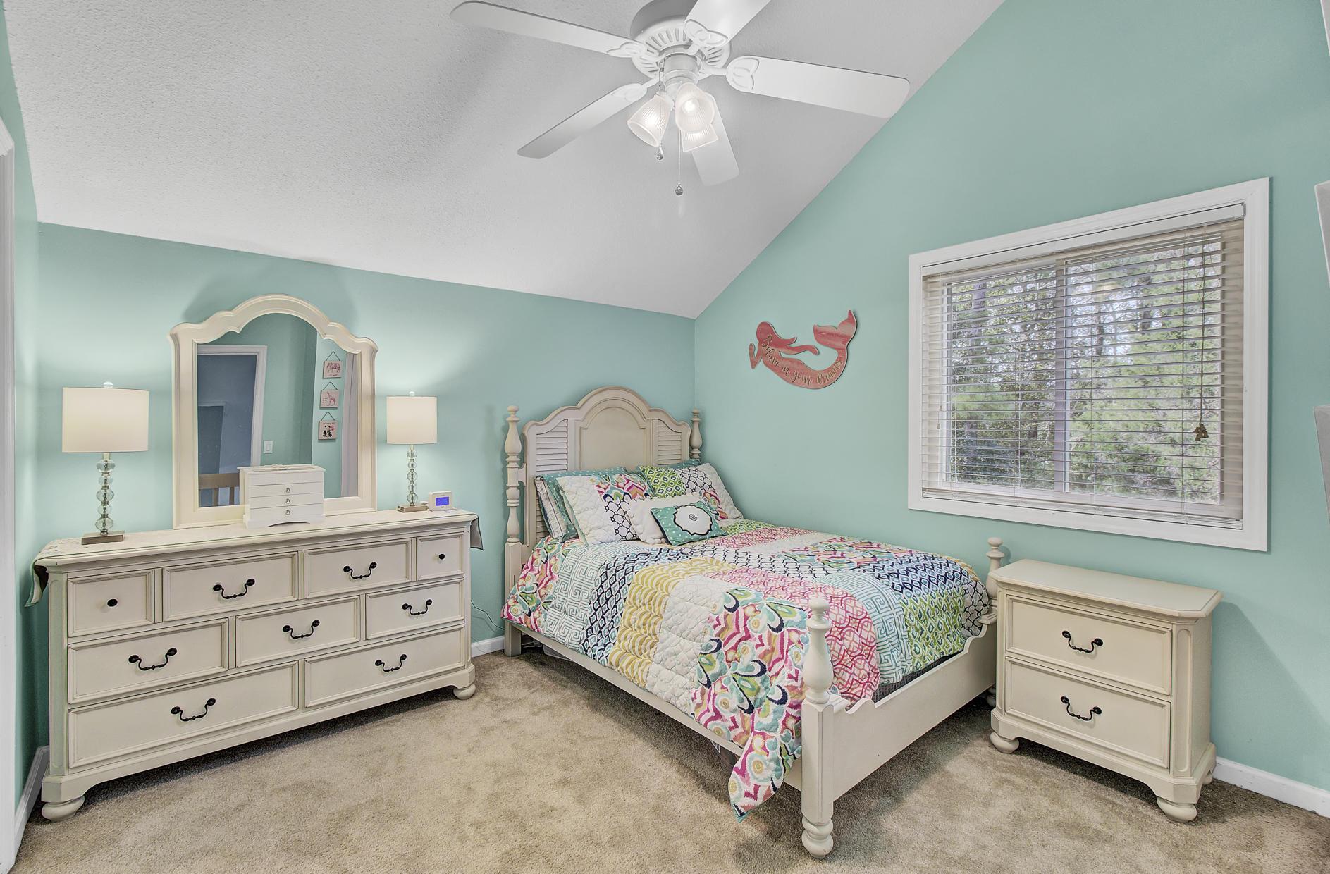 Snee Farm Homes For Sale - 978 Law, Mount Pleasant, SC - 25