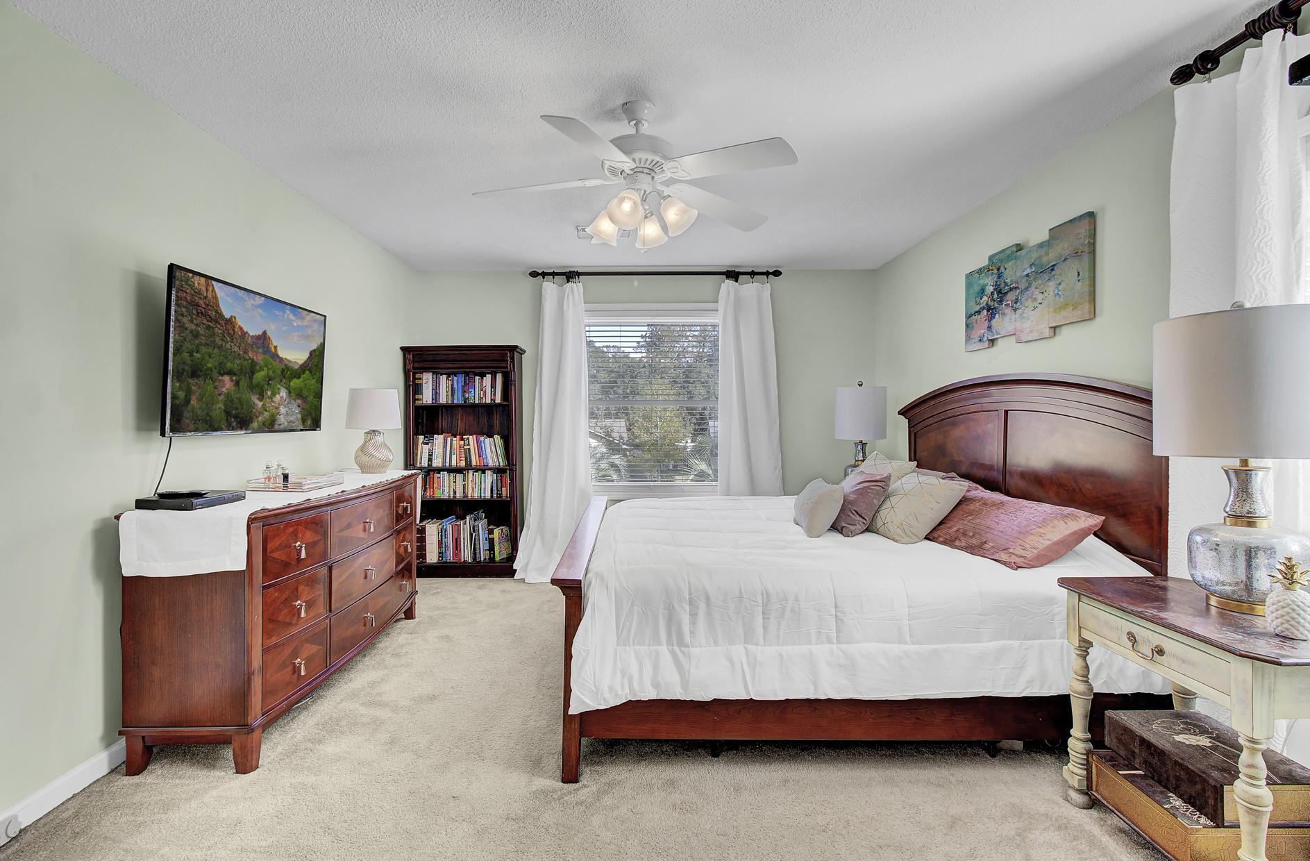 Snee Farm Homes For Sale - 978 Law, Mount Pleasant, SC - 21