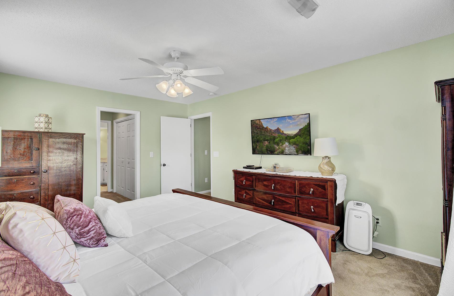 Snee Farm Homes For Sale - 978 Law, Mount Pleasant, SC - 22
