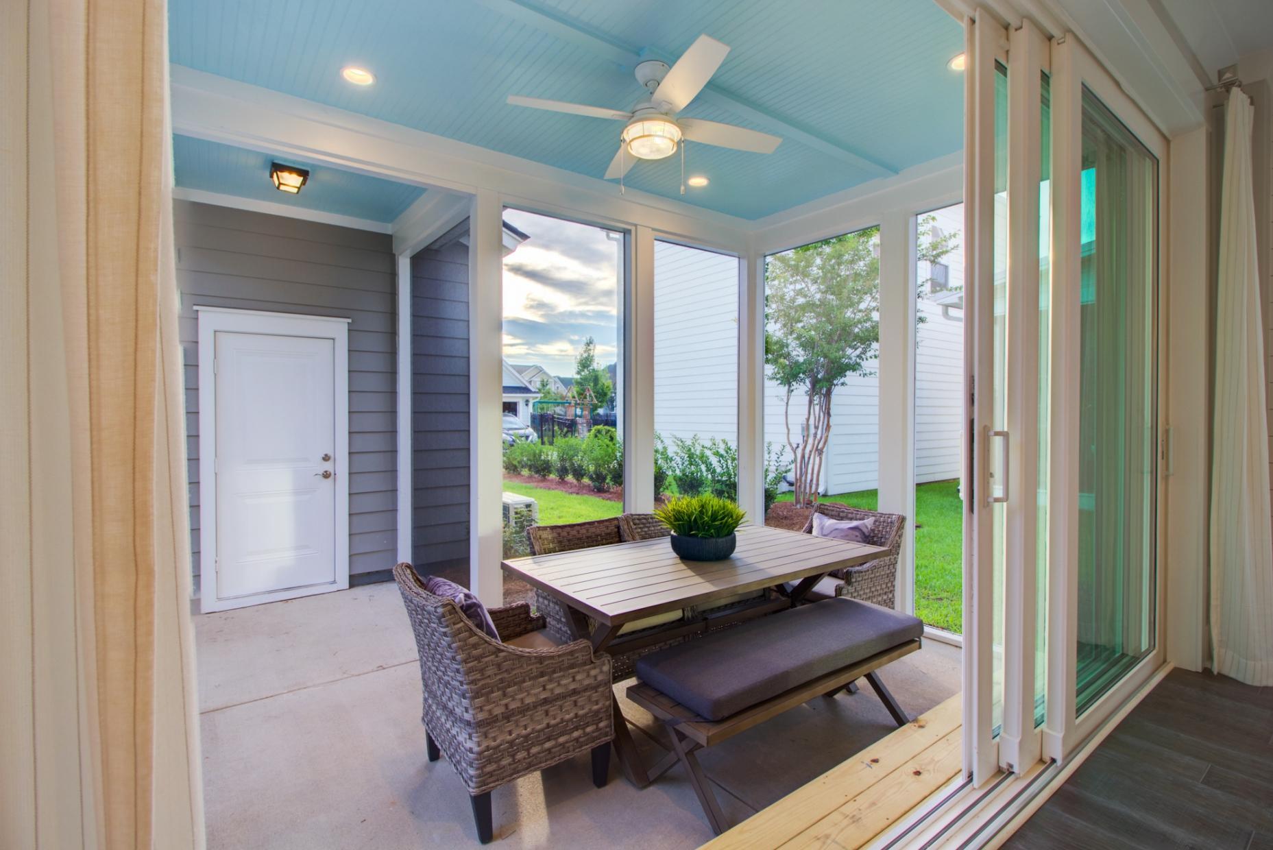 Carnes Crossroads Homes For Sale - 501 Wodin, Summerville, SC - 18