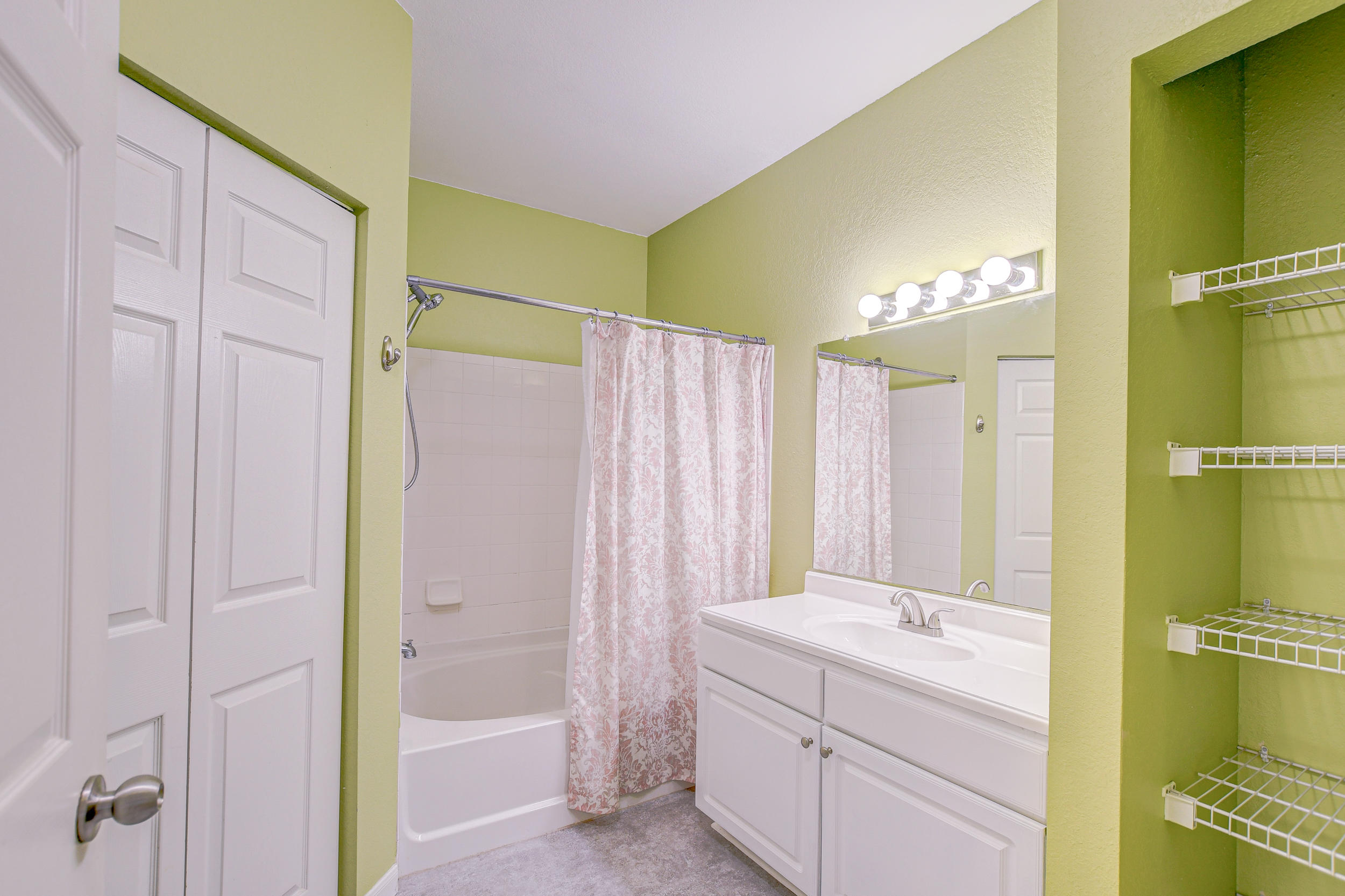 Twelve Oaks Condos For Sale - 60 Fenwick Hall, Johns Island, SC - 4