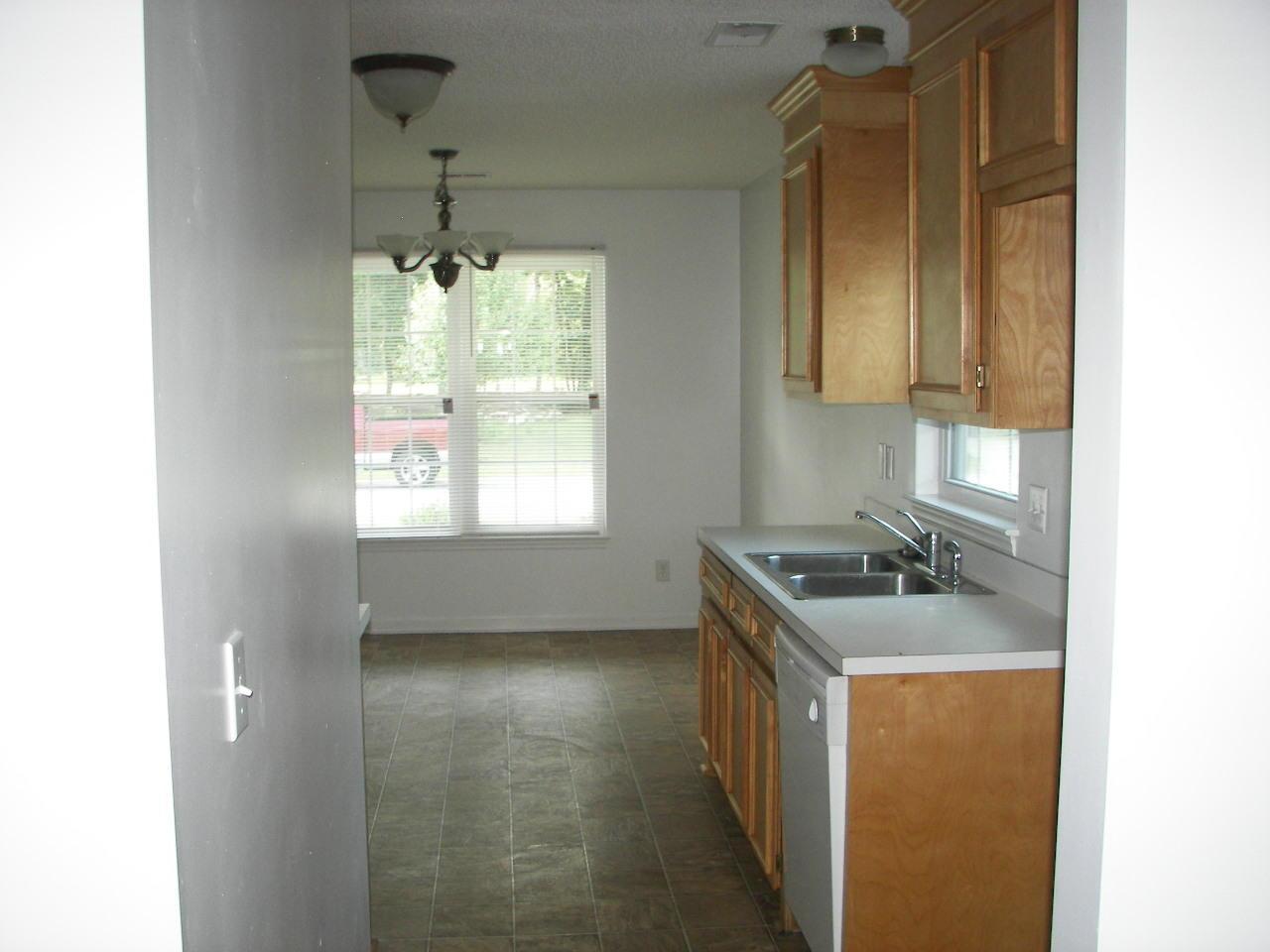 Ashley Plantation Homes For Sale - 1219 Jeanna, Summerville, SC - 3