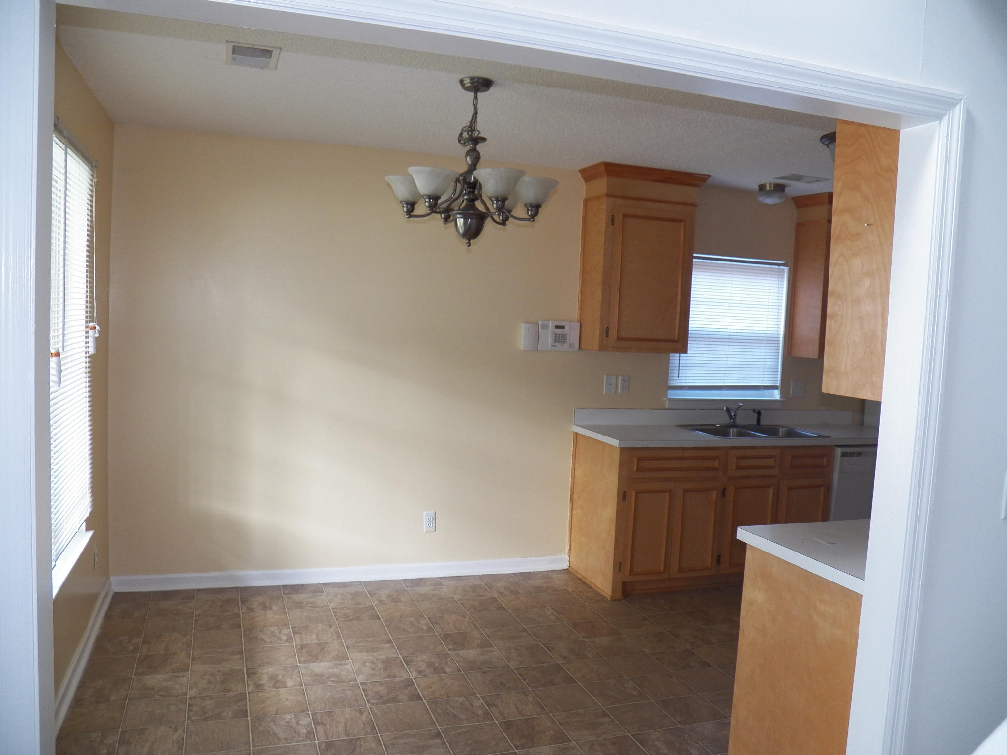 Ashley Plantation Homes For Sale - 1219 Jeanna, Summerville, SC - 4