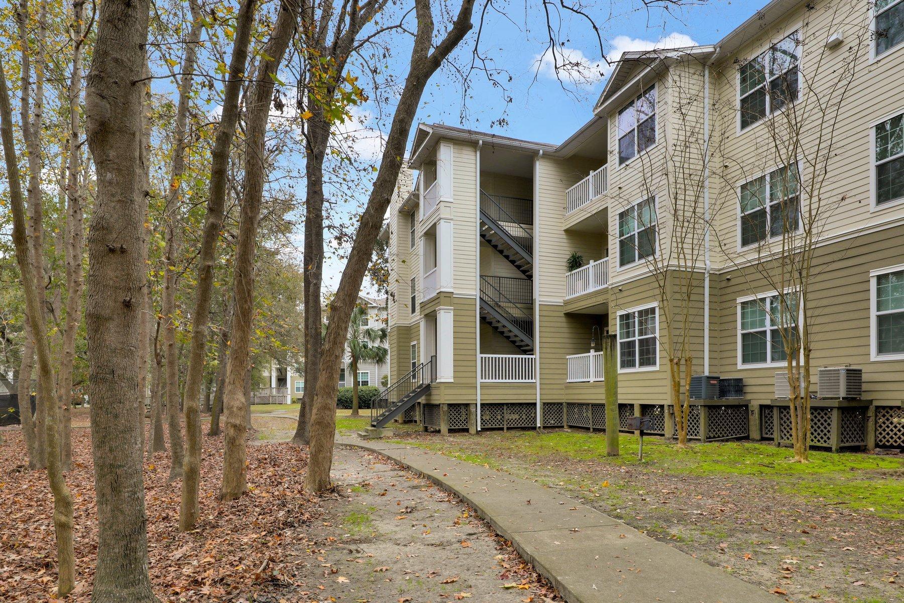 The Peninsula Condominiums Homes For Sale - 700 Daniel Ellis, Charleston, SC - 11