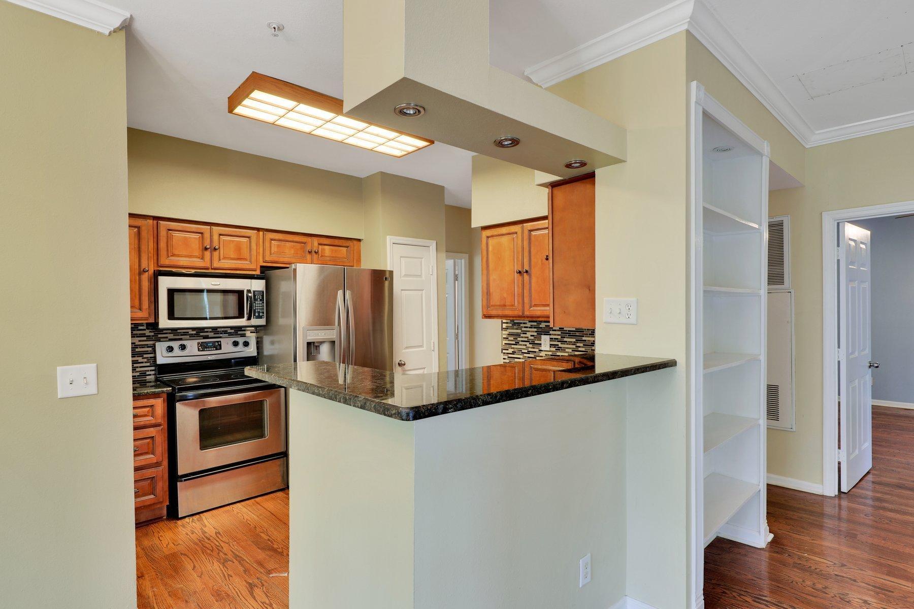 The Peninsula Condominiums Homes For Sale - 700 Daniel Ellis, Charleston, SC - 17