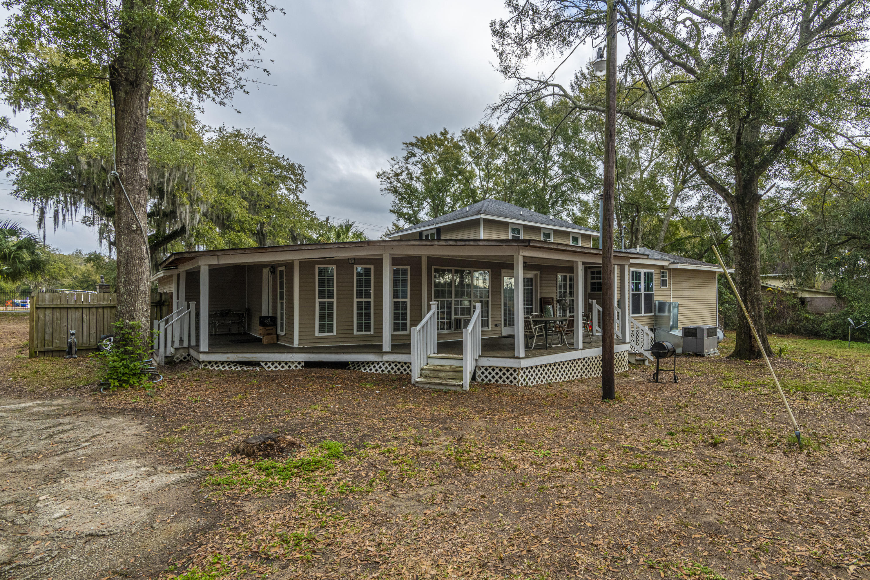 Photo of 993 Pinefield Dr, Wando, SC 29492