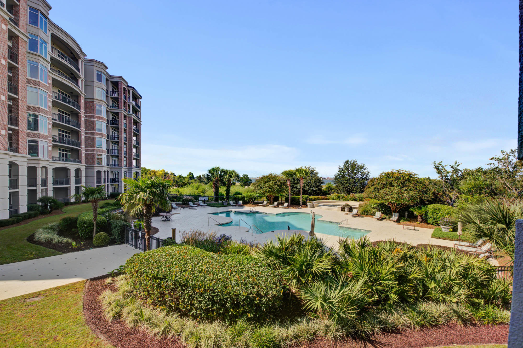 Renaissance On Chas Harbor Homes For Sale - 231 South Plaza, Mount Pleasant, SC - 8
