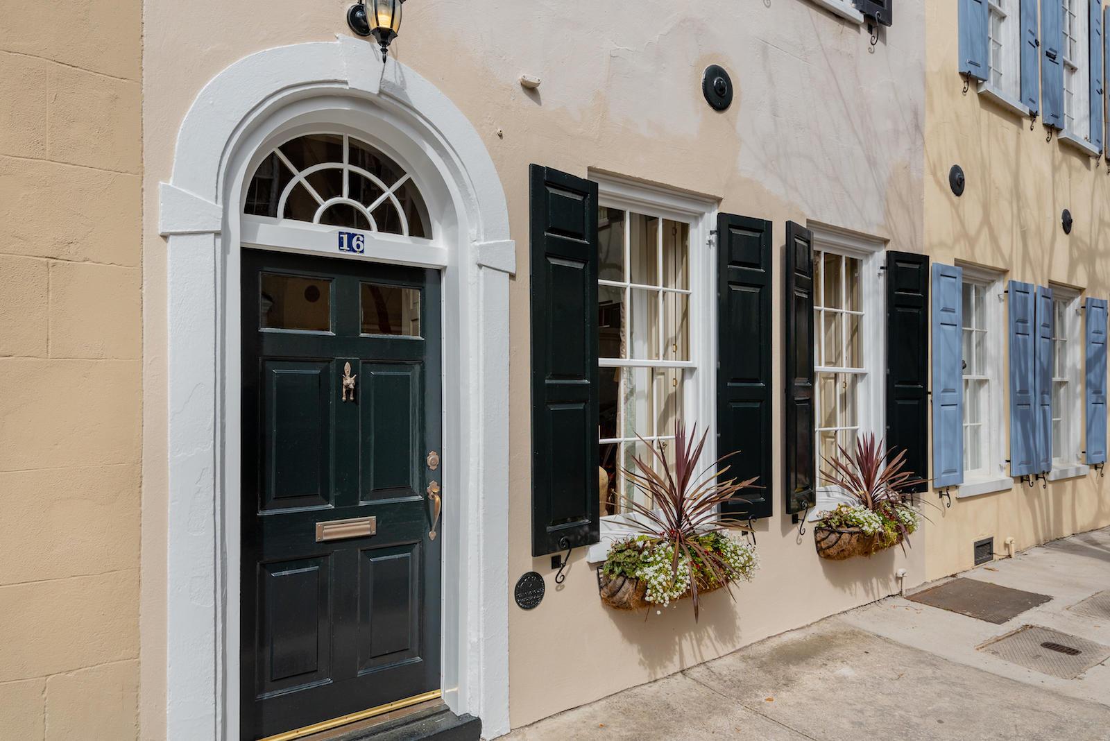 16 Tradd Street, Charleston, 29401, 3 Bedrooms Bedrooms, ,2 BathroomsBathrooms,Residential,For Sale,Tradd,21004198