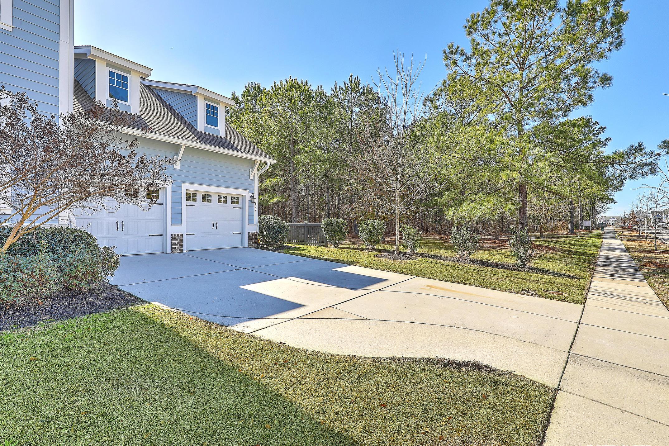 Carnes Crossroads Homes For Sale - 627 Van Buren, Summerville, SC - 4