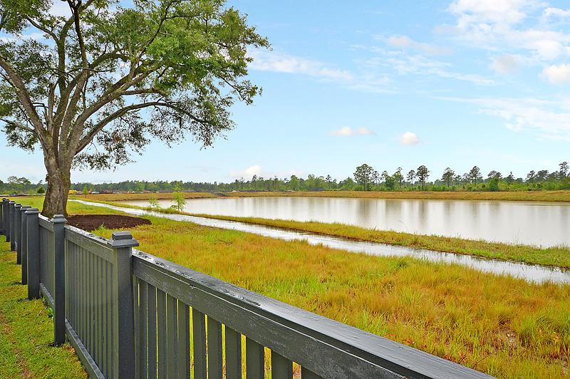 Carnes Crossroads Homes For Sale - 125 Philips Park, Summerville, SC - 4