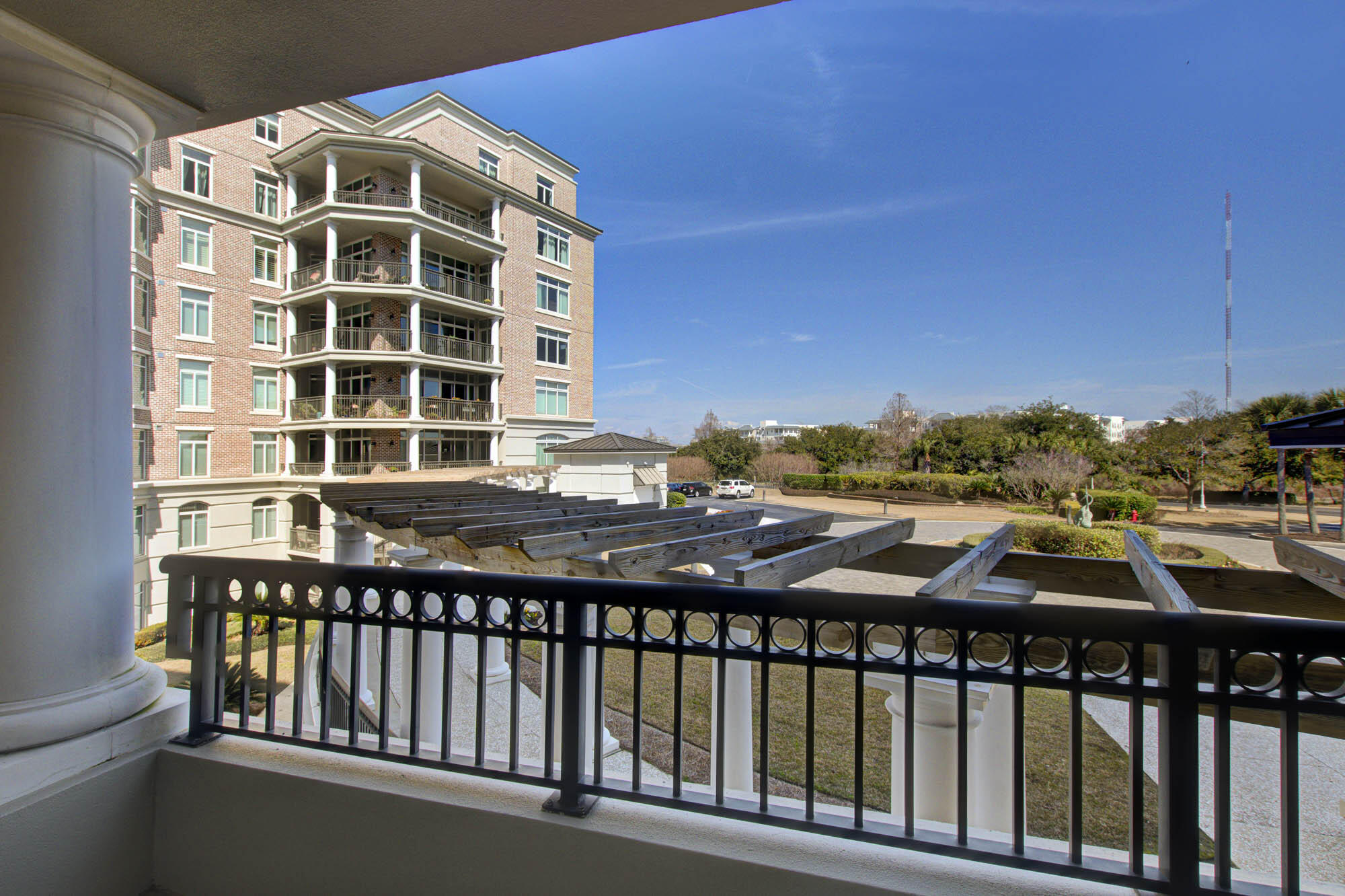 Renaissance On Chas Harbor Homes For Sale - 231 South Plaza, Mount Pleasant, SC - 9