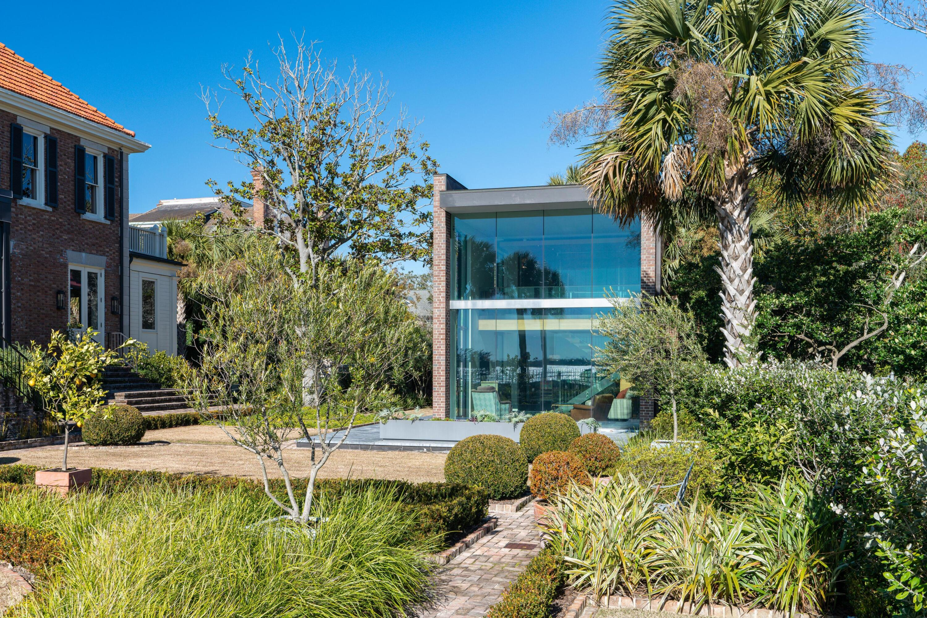 South of Broad Homes For Sale - 50 & 52 Murray, Charleston, SC - 31