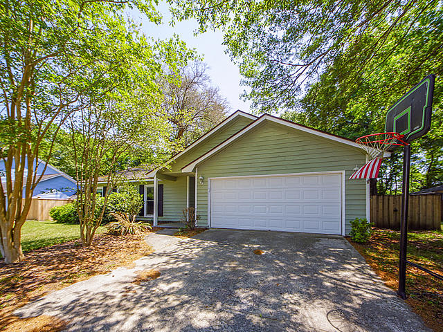 Snee Farm Homes For Sale - 1138 Ambling, Mount Pleasant, SC - 7
