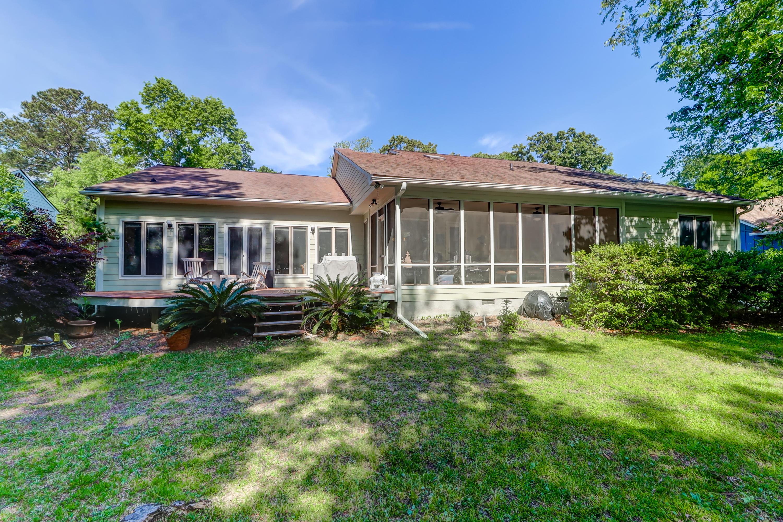 Snee Farm Homes For Sale - 1031 Royalist, Mount Pleasant, SC - 26