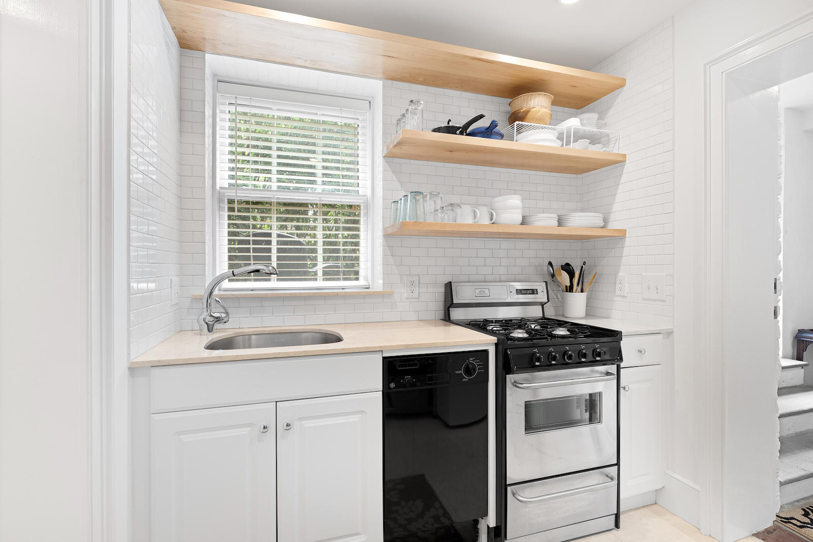 Ansonborough Homes For Sale - 55 Laurens, Charleston, SC - 12