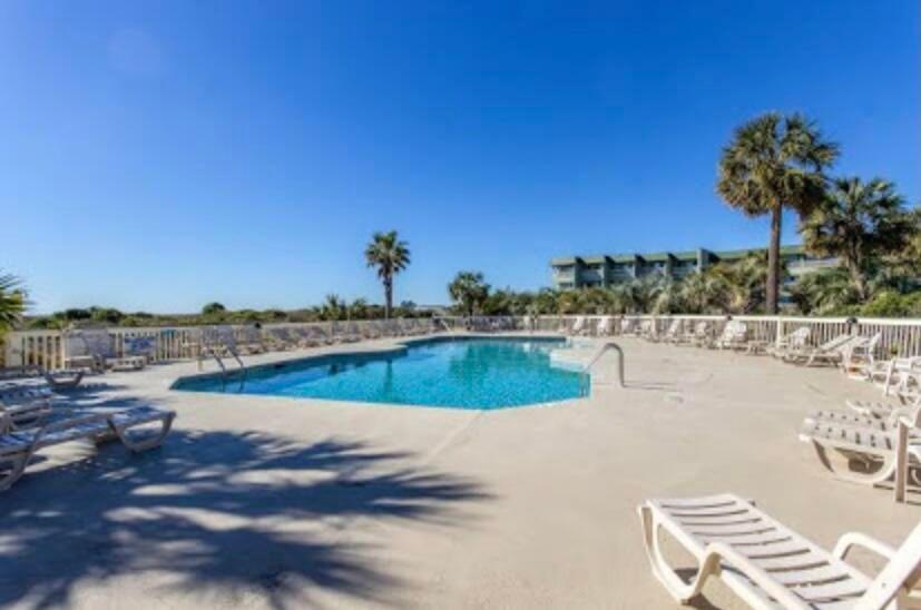 Sea Cabin On The Ocean Homes For Sale - 1300 Ocean Boulevard, Isle of Palms, SC - 14