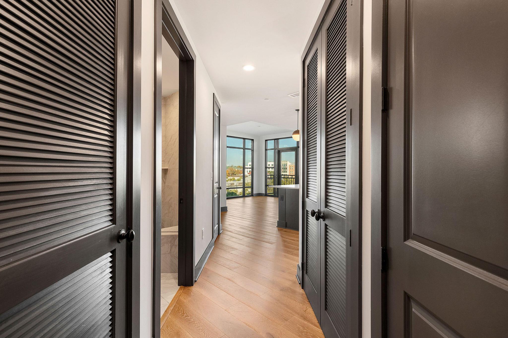 5 Gadsdenboro Street, Charleston, 29401, 2 Bedrooms Bedrooms, ,2 BathroomsBathrooms,Residential,For Sale,Gadsdenboro,21014900